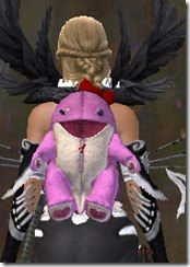 gw2-pink-quaggan-backpack-cover-2