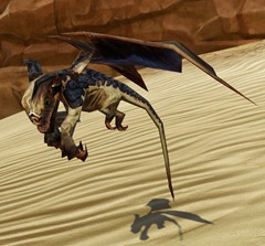 swtor-golden-lizardbat-pet-2